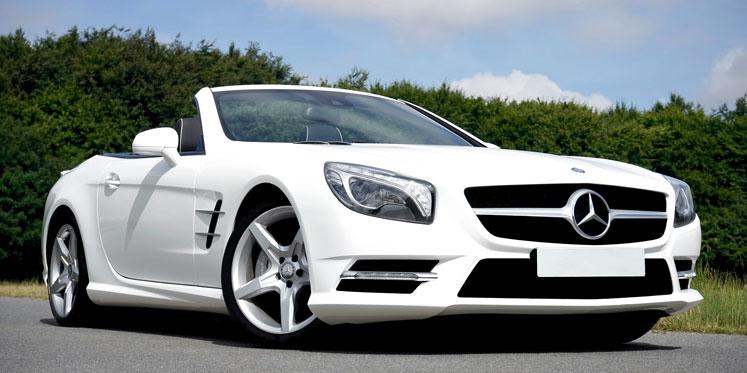 Kør en klassisk eller superhurtig Mercedes
